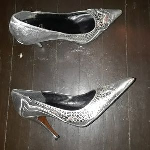 Silver leather Type Z pumps